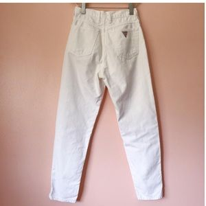 Vintage Guess - White Mom Jeans - Cropped